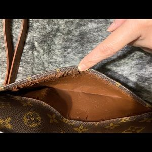 Louis Vuitton Bags - Authentic Vintage LOUIS VUITTON Orsay Clutch